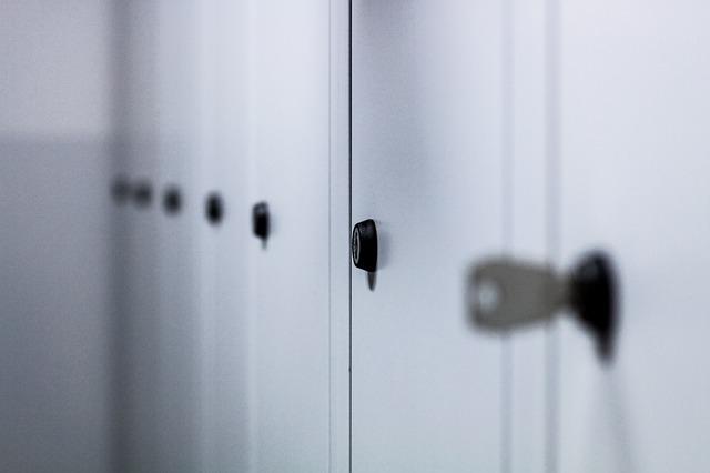 školní skříně