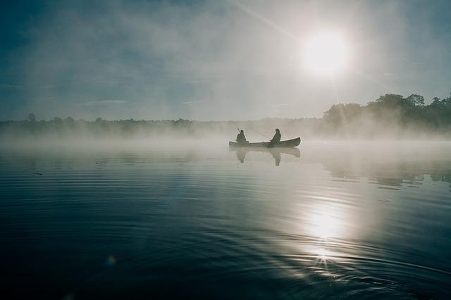 rybáři na loďce.jpg