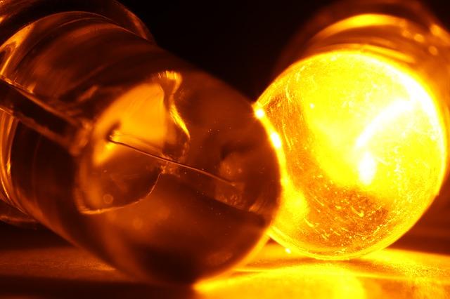 světlo - emitující dioda