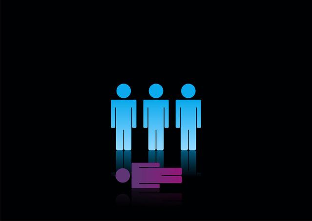 Jeden ze čtyř panáčků leží na černém pozadí